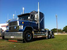 1990 Blue Ford L9000 #heavyhauling