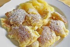 Kaiserschmarrn, a sophisticated recipe from the dessert category. Ratings: Average: Ø Kaiserschmarrn, a sophisticated recipe from the dessert category. Ratings: Average: Ø No Bake Desserts, Dessert Recipes, Easy Desserts, German Baking, Best Pancake Recipe, Austrian Recipes, Gateaux Cake, Crepe Recipes, Food Cakes