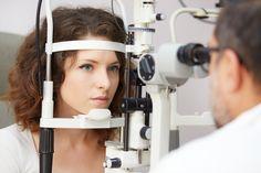 Keratokonus je očná choroba objavujúca sa vtedy, keď dochádza k postupnému stenšovaniu a čiastočnej deformácii vašej očnej rohovky.