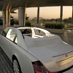 Maybach I thnk thas how u spell it