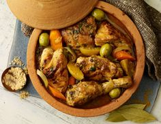 Tajine de poulet épicé au citron confit et aux olives