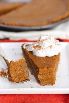 Healthy vegan pumpkin pie My favorite breakfast after Thanksgiving and really for all year! Vegan Pecan Pie, Vegan Pumpkin Pie, Pumpkin Pie Recipes, Pumpkin Spice, Egg Free Recipes, Coconut Recipes, Delicious Vegan Recipes, Vegan Christmas, Vegan Thanksgiving