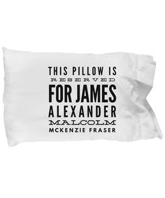 This pillow from the Outlander series is the ideal Christmas gift idea for friends who love Jamie Fraser.
