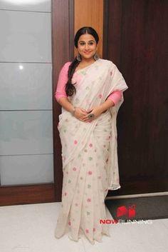 Picture 7 of Vidya Balan Vidya Balan Hot, Pattu Saree Blouse Designs, Jamdani Saree, Sari Dress, Casual Saree, Designer Sarees, Beautiful Saree, Saree Collection, Brides