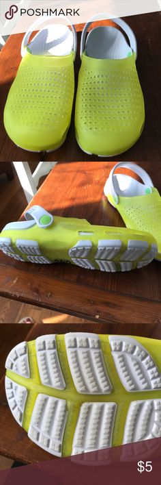 DML jelly shoes crocs style. Green and white crocs style shoe. Shoes Mules & Clogs #ClogsShoesVinatge