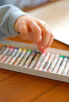 An easy art project for kids to do to create the perfect Christmas gift for grandparents or other family members!