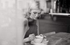 mood | black and white | blonde bobs | cafe | coffee | through the window | creative shots
