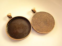 2 Antiqued Copper Round Cameo Base Tray 30mm B-536(C) by yooounique on Etsy