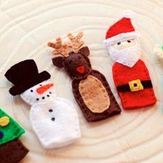 Free pattern for making felt finger puppets for Christmas.