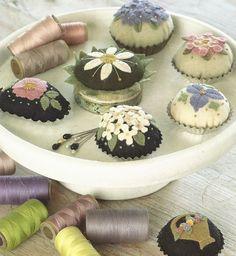Primitive Folk Art Wool Applique Pattern:  PETITFORE PINCUSHIONS.