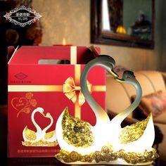 Adorno o souvenir en porcela palomas en un tronco este - Decoraciones para el hogar ...