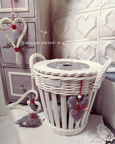 Reborn Dolls, Reborn Babies, Baby Dolls, Miniature Houses, Miniature Dolls, Newspaper Basket, Cardboard Art, Victorian Dollhouse, Paper Clay