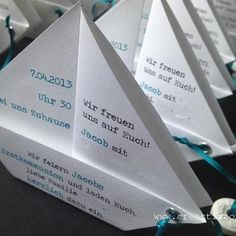Einladungskarten - Einladung Konfirmation/Kommunion - PAPIER.BOOT 2 - ein Designerstück von creartivbox bei DaWanda First Holy Communion, Diy Paper, Greeting Cards Handmade, Invitation Cards, Christening, Kids And Parenting, Crafts, Ticket Invitation, Boxes