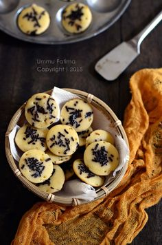 Kue Cubit, this is like mini dorayaki/pancake, and tastes sooo good. [Recipe in Indonesian]