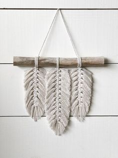 Small Macrame Wall Hanging - Feathers - Macrame Feathers - Macrame Home Decor - Home Decor - Boho Decor - Boho Art - Boho Feathers - Macrame - DIY - Makramee - Home Sweet Home Macrame Art, Macrame Projects, Craft Projects, Etsy Macrame, Macrame Knots, Craft Ideas, Diy Wand, Mur Diy, Diy And Crafts