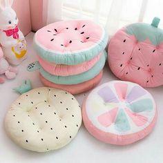 """Almohadones y Acolchados"" ~~Rosario Contreras~~ Fruits Kawaii, Kawaii Bedroom, Cute Furniture, Cute Room Decor, Pastel Room Decor, Cute Pillows, Cute Cushions, Chair Pads, Plushies"