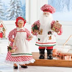 Baking Santa & Mrs. Claus
