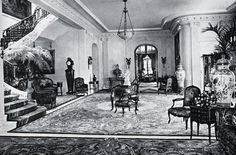 Marjorie Merriweather Post built the largest apartment in New York history, with 54 rooms—one for storing ball gowns, another one for flowers—spread out over three floors. In 1926, she signed a lease for $6,250 a month ($75,000 in today's dollars).