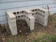 Cinder Block Compost Bin - super easy way to start your garden compost.DIY Cinder Block Compost Bin - super easy way to start your garden compost. Budget Patio, Diy Garden, Garden Projects, Diy Projects, Rusty Garden, Garden Seat, Terrace Garden, Edible Garden, Dream Garden