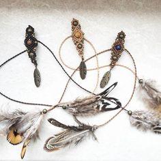 Größenverstellbarer Dreadschmuck mit Federn  ab 7mm individuell verstellbar   #Dreadschmuck #dreadperle #dreadjewelry #dreadbead #dreads #dreadlocks #wonderlocks #macrame #makramee #handmade #handgemacht #diy #nature #Natur #forest #Wald #gemstones #Edelsteine #crystals #traumfänger #dreamcatcher #doily #häkeln #crochet #crocheting #wallhanging #wandbehang #spirituality #boho #bohemian