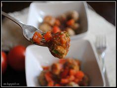 Turkey Meatballs with Bruschetta Sauce- #healthy ground turkey meatballs for dinner! #recipe www.shugarysweets.com