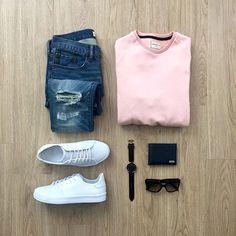 WEBSTA @ mrjunho3 - Casual flow Wednesday ✌Sweater: @contemporarygoodsJeans: @gapWallet: @ferragamoWatch: @danielwellingtonShades: @pradaShoes: @creativerecreation - White Leather Carda••••••#menstyle #wiwt #mensfashion #gap #ferragamo #prada #creativerecreation #prada #whiteshoes #danielwellington