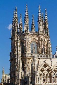 Pináculos góticos de la Cúpula de la cara este de la Catedral de Burgos, Burgos, Castilla y León. España