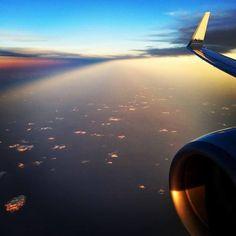 RT @G_DAVO63: La linea de la noche y el día vista desde un avión sobrevolando el Golfo de México.