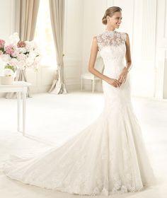 Wedding dress. Urdiel wedding dress. Glamour 2015. Pronovias 2015. Collection off-the-shoulder neckl