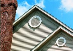 """I """"louver"""" these gable vents. House Front Door, House Doors, Facade House, Cottage House Plans, Cottage Homes, Attic Vents, Gable Vents, Weatherboard House, American Houses"""