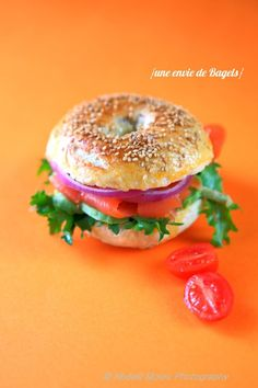 lox bagel, need one. Lox And Bagels, Burger Party, Time To Eat, Artisan Bread, French Food, Brunch Recipes, Street Food, Food And Drink, Yummy Food