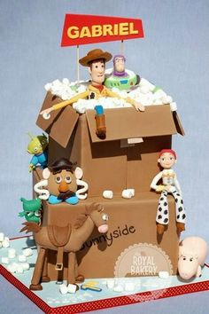The Royal Bakery - Toy Story Cardboard Box Cake. Original design by Little Cherry Cake Company Fête Toy Story, Bolo Toy Story, Toy Story Cakes, Toy Story Party, Crazy Cakes, Fancy Cakes, Cute Cakes, 6 Cake, Cupcake Cakes