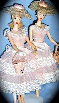 Barbie Fashion Icon of the - TWINS and Variations! - A site to showcase collections of Vintage Barbie dolls and fashions. Old Barbie Dolls, Vintage Barbie Clothes, Mattel Barbie, Barbie And Ken, Vintage Dolls, Pink Barbie, Dolls Dolls, Barbie Family, Barbie Accessories