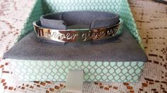 Rustic Cuff Regifters NEVER GIVE UP Bangle SILVER/NEW