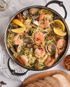 Spicy Linguine with Clams and Shrimp - Zimmy's Nook Shrimp Recipes, Fish Recipes, Lemon Spaghetti, Louisiana Recipes, Linguine, Clams, Grilled Chicken, Pasta Dishes, Spicy