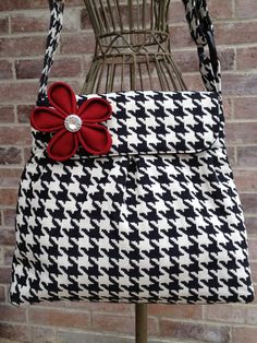 Sweet Pea Purse in Black and White by specialtycreations on Etsy, $82.50