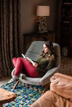 Hygge at Deplar Farm, Iceland Bedroom Reading Chair, Farm Bedroom, Chair Pictures, Poses For Pictures, Christmas Mood, Christmas Fashion, Geek Chic Outfits, Girl Reading Book, Book Flowers
