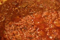 Delicious No Bean Chili Recipe! Fall Food Freeze it in small portions & place in a bag with hot dogs so that non-canned chili dogs are available for the guys when the mood strikes (which is always) 😉 Chilli Recipes, Crockpot Recipes, Soup Recipes, Dinner Recipes, Cooking Recipes, Cooking Chili, Drink Recipes, Paleo Dinner, Dinner Ideas