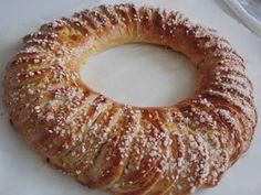 Pullakranssi Doughnut, Sausage, Baking, Desserts, Food, Tailgate Desserts, Deserts, Sausages, Bakken