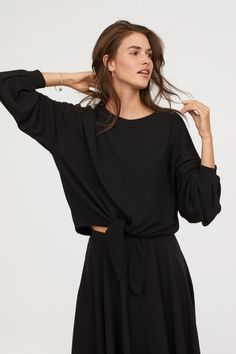 Shop online for affordable women's tops at H&M, from tanks, t-shirts and camis to dressy going-out tops. Going Out Tops, Cuff Sleeves, Black Tops, Black Women, Crop Tops, Lady, Model, Dresses, Xmas
