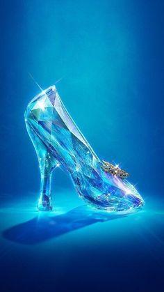 The marvellous glass slipper of beautiful Cinderella - Disney princess Disney Magic, Disney Frozen, Disney Art, Disney Phone Wallpaper, Cartoon Wallpaper, Cinderella Wallpaper, Tumblr Wallpaper, Disney And Dreamworks, Disney Pixar