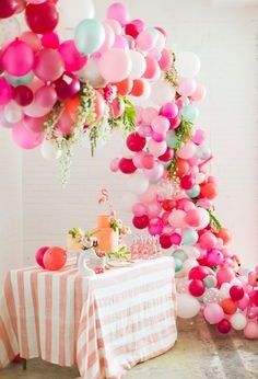 Balloon Garland, Balloon Decorations, Wedding Decorations, Wedding Ideas, Balloon Arch Diy, Balloon Display, Wedding Details, Balloon Party, Balloon Ideas