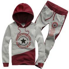 2013 otoño e invierno moda de nueva delgado Cardigan sudaderas con capucha con pantalones, abrigos ropa men. juego de los deportes