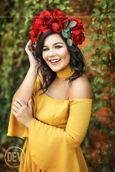 Senior picture portrait ideas posing flower floral crown! www.devonjimagery.com 2016 Devon J. Imagery