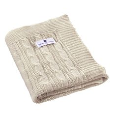 La, le, lu - gleich schläfst auch du. Baumwolle ist eine Naturfaser, die sich gerade für Babytextilien großer Beliebtheit erfreut. Textilien aus Baumwolle, ob für Babykleidung oder für die Bettausstattung, punkten mit positiven Eigenschaften, wie Waschbarkeit und Unempfindlichkeit. So kann Baumwolle meistens in der Waschmaschine bedenkenlos gewaschen werden. Nicht vorgewaschene Baumwolle läuft in der Regel 2 cm ein. Gute Lieferanten sind sich dessen jedoch bewusst.