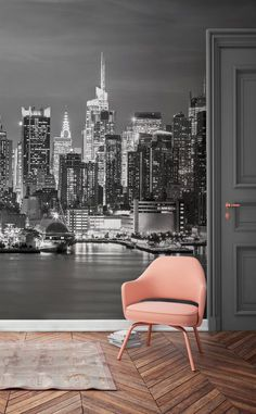 Jealous of this view? This New York wallpaper mural captures the glitz and the glamour of the famous skyline. Twinkling lights contrast beautifully against the moody grey sky, making it a show-stopping mural fit for any home. New York Wallpaper, City Wallpaper, Home Wallpaper, Bedroom Wallpaper, Wallpaper Murals, New York Bedroom, Ligne D Horizon, Wall Murals Bedroom, Cool Walls