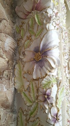 Discover thousands of images about Gorgeous painted colum flowers Plaster Crafts, Plaster Art, Plaster Walls, Sculpture Painting, Mural Painting, Wall Sculptures, Inspiration Artistique, Wall Art Sets, Clay Art