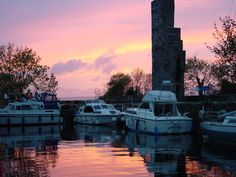 Garrykennedy Castle was one of many erected on the Shores of Lough Derg during the period 1450-1600AD.  These Castles (or Tower Houses) were built for defence by important local Land Owners such as Butler, O'Kennedys, O'Briens of Arra.