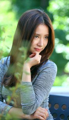 Shin Se Kyung Shin Se Kyung, Very Beautiful Woman, Beautiful Asian Women, Korean Beauty, Asian Beauty, Bride Of The Water God, Yoo Ah In, Korean People, Asian Celebrities
