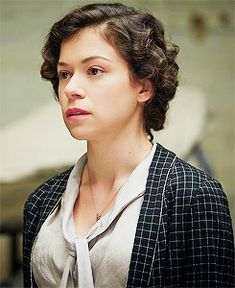 Tatiana Maslany as young Maria Altmann in Woman in.